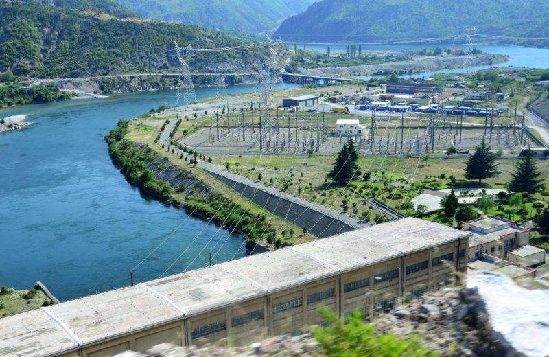 Wasserkraftwerk bei Koman See, Albanien