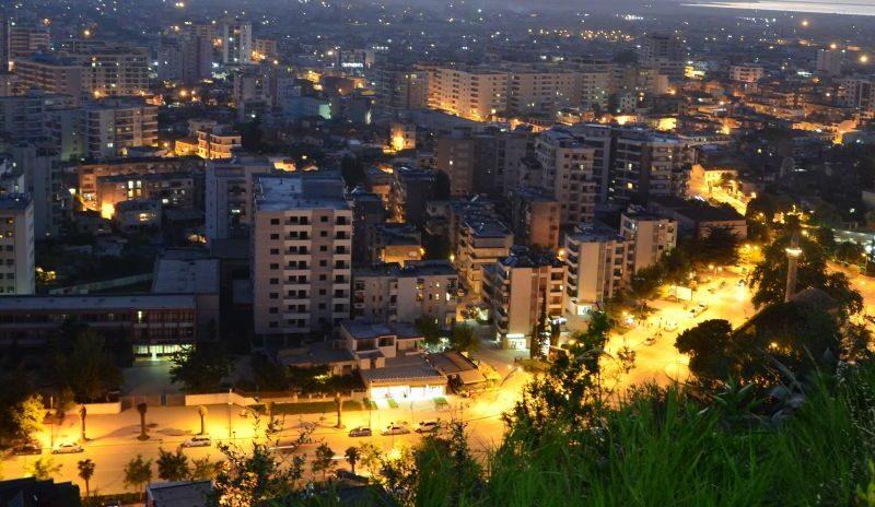 Vlora, Albanien in der Nacht